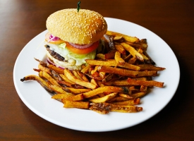 Classic Burger & Homemade Fries